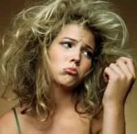 По какой причине выпадают волосы